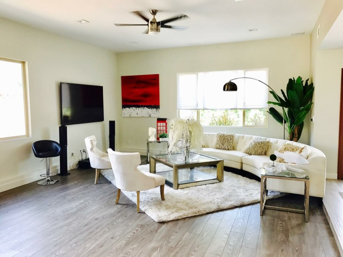 Living room with coffee table. Image credit: Level 23